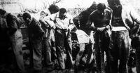 A hazatért hadifoglyok új ruhát kapnak