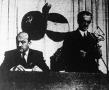 Tildy Zoltán köztársasági elnök beszél. Mellette Nagy Ferenc miniszterelnök (a Magyar-Szovjet Művelődési Társaság kongresszusán).