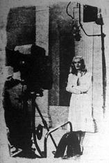 A televíziós gép előtt