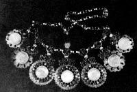 Tázsia - ezüstpénzből való nyakék