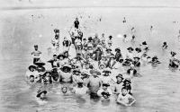 Fürdőélet a Balatonon
