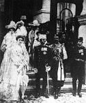 Péter király családjával, Danilo montenegrói trónörökössel és ennek neje társaságában