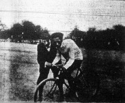 R. J. Vendredi hivatásos kerékpárversenyző