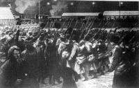 Orosz katonák indulnak Szent-Pétervárról a japán frontra