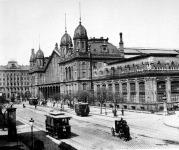 Posta a nyugati pályaudvarnál