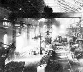 A lakatosként dolgozó Windhager fiú számára az  ipar szempontjából igen jelentős resicai Siemens-Martin acélmű jelenthetett volna kiutat a nyomorból.