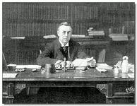 J. Chamberlain dolgozószobájában