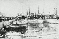 Angol torpedo-zuzók a fiumei kikötőben