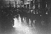 Kossuth - gyászünnepély ( Öreg honvédek a Kossuth sírjához vonuló menetben )