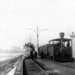 A Kállay mozdony és a 4-es motorkocsi a felső-Tiszaparti Sóház kitérőben (Szeged)
