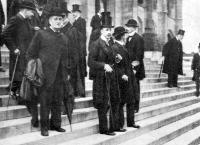 Az Országház lépcsőin