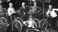 Kerékpáros csapat pihenés közben