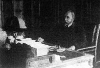 Justh Gyula a képviselőház elnöki szobájában