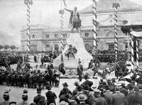 Kossuth Lajos szobrának leleplezése Kecskeméten