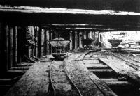 Villamos vasut a budai Lánczhídfőnél. Földásási munkálatok a hídfő alatt