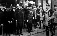Kossuth Ferencz érkezése a pécsi Zsolnay-szobor leleplezésére