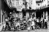 Lakbéremelés ellen tiltakozó lakók