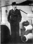 Amundsen svéd hajós a minap tért meg eredményes északsarki utjáról