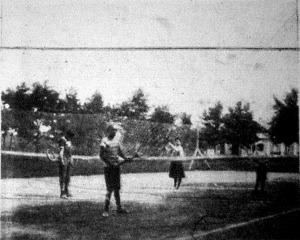 Gyermek teniszezők a siófoki sporttelepen