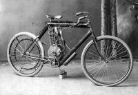 Az első motorkerékpár 1902-ből