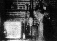 Szivarszivó gép, amely kipróbálja a különböző szivarfajok égési képességét