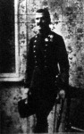 Mátyássy Zoltán honvédhadbiztos százados, a ki a múlt héten pokolgépet kapott