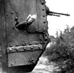 Postagalamb útnak indítása tankból