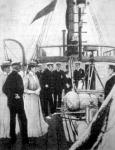 Mikor a Nimrod elindult a kikötőből, az angol királyi pár a fedélzetre ment és jó szerencsét kivánt