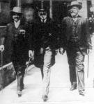 Andrássy Gyula gróf (középen)
