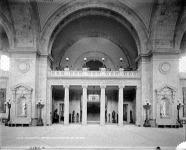 A Newyorki Metropolitan Múzeum előtere