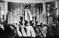 Hieronymi Károly ravatala a Nemzeti Múzeum előcsarnokában