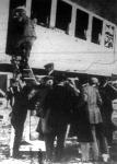 Beszállás a kormányozható személyszállitó express-léghajó szalonjába