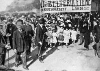 Munkástüntetés 1910-ben a lakbérdrágaság miatt (VI. kerületiek)