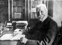 Lévay József dolgozószobájában