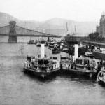A Dunagőzhajózási Társaság új személyszállító hajói a budapesti Petőfi-téri állomáson