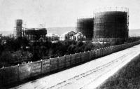 A fővárosi új gázgyár építkezése: a nagy gáztartók, az épülő víztorony és a kátránymedenczék