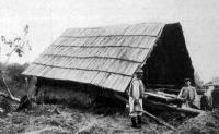 A délvidéki árviz: örményesi ház, mely maga alá temette gazdáját, feleségével és két gyermekével