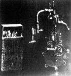 A világ legkisebb benzinmotorja. A berlini repülőgépkiállitáson világszenzációt keltett