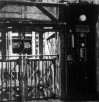 Egy bányaüzem felvonó hidján alkalmazott hangosan beszélő telefonállomás