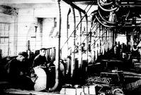 A fémműhelyek hadiszereket gyártanak