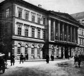 Pest vármegye székházamely most leontásra kerül