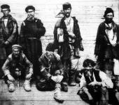 Az cár atyuska népe. Ezek a kiéhezett orosz katonák örülnek, hogy fogságba estek