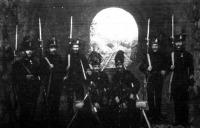Vasuti alagutat őrző csendőrök
