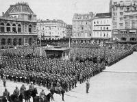 Német katonai szemle Brüsszelben