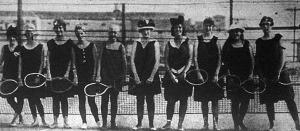 Fiatal leány teniszezők