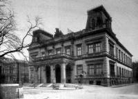 A Gróf Károlyi-palota a Muzeum-utcza és Esterházy-utcza sarkán