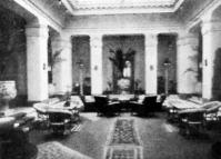 Az 1910-es évek szállodai eleganciáját idézi dr. Pajor szanatóriumának hallja Budapesten