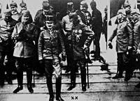 Az előtérben Károly Ferenc József trónörökös az olasz harctére