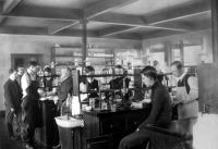 Kémiai laboratotium  a századelőn