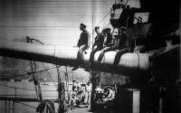 Tengerészek egy hadihajó fedélzetén